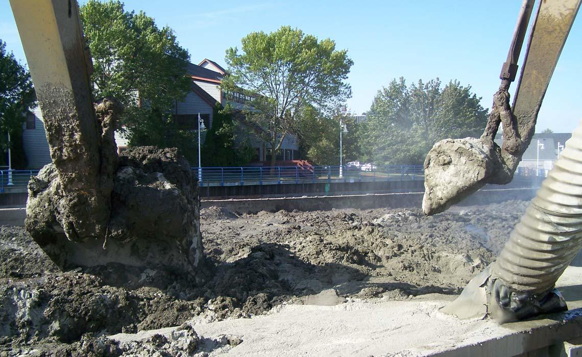 Sheboygan Harbor Sediment Dredging